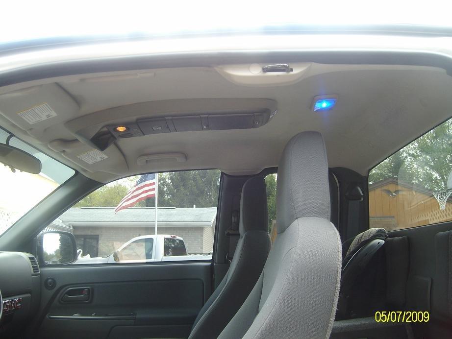 Overhead console and dome light relocate chevrolet colorado gmc canyon forum for Chevy colorado interior lights